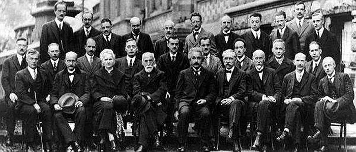 1927年第五次索尔维物理会议的合影